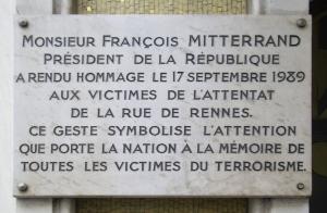 Plaque_Attentat_de_la_rue_de_Rennes,_Paris_6