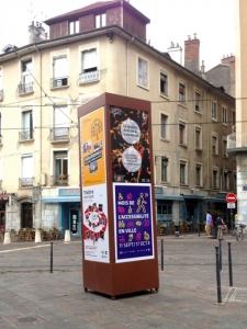 Nouveaux panneaux remplaçant les colonnes Morris
